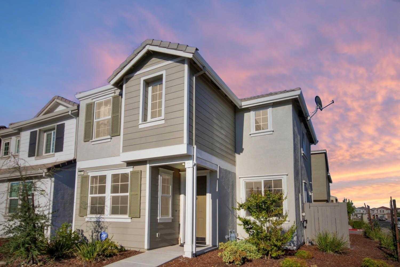 $399,900 - 3Br/3Ba -  for Sale in Rancho Cordova