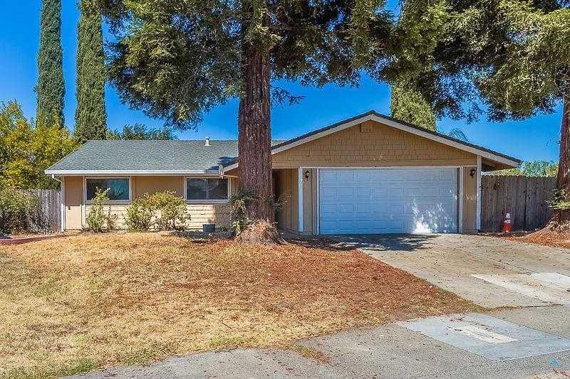 $299,999 - 4Br/2Ba -  for Sale in Sacramento