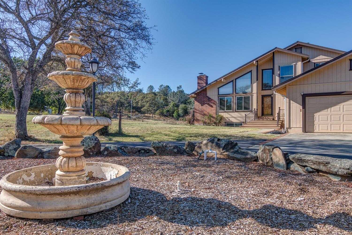 $1,275,000 - 5Br/4Ba -  for Sale in Heredia Trail, Lincoln