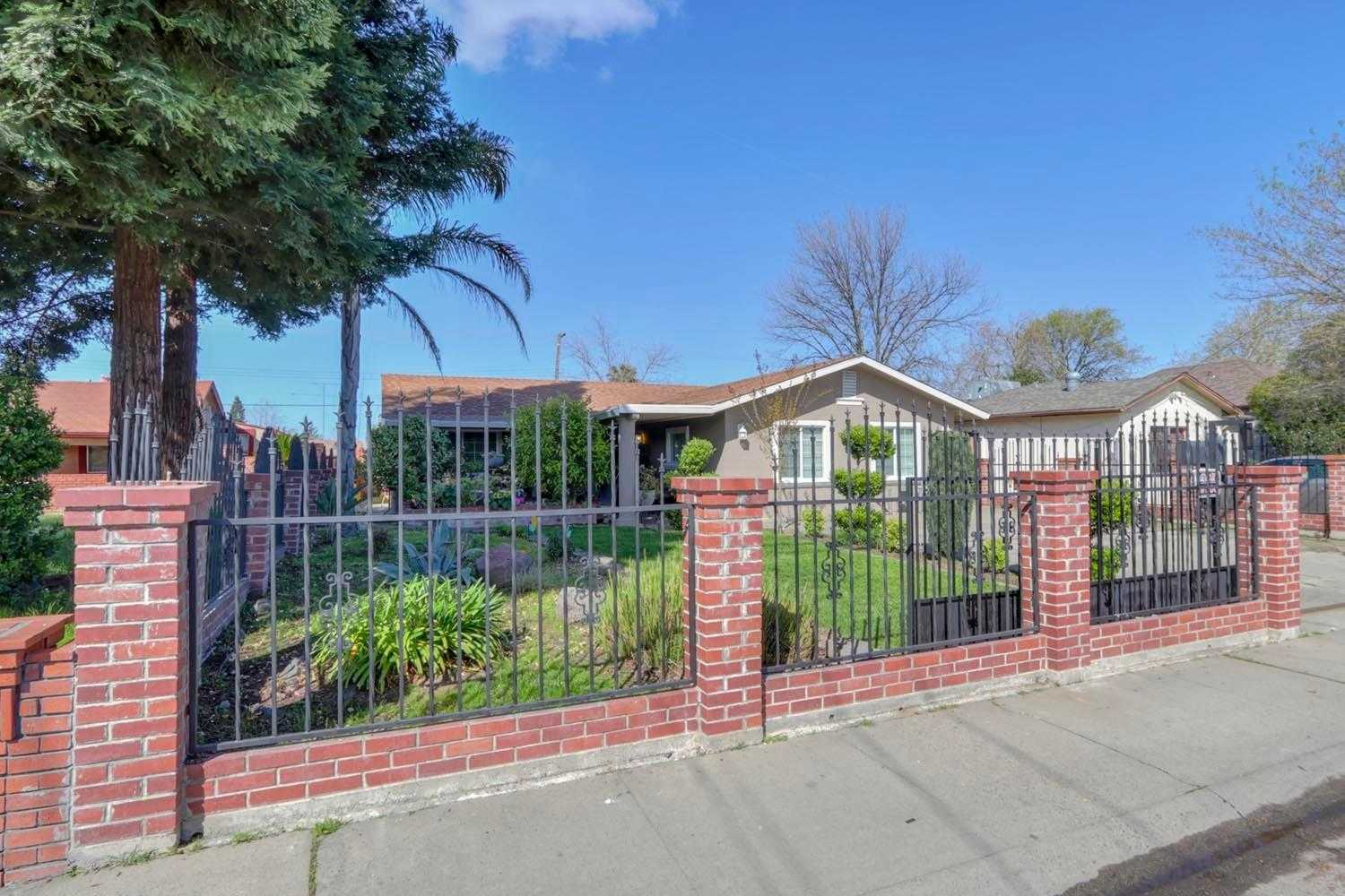 $365,900 - 5Br/2Ba -  for Sale in Sacramento