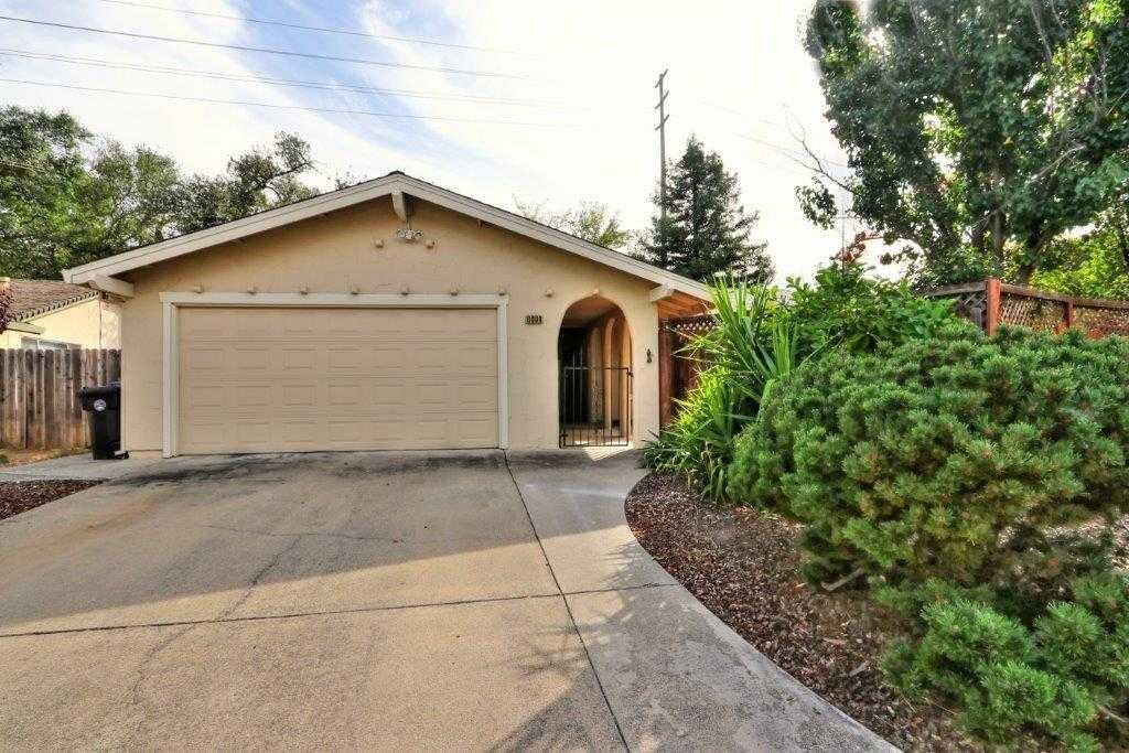 $399,000 - 4Br/2Ba -  for Sale in Tempo, Citrus Heights