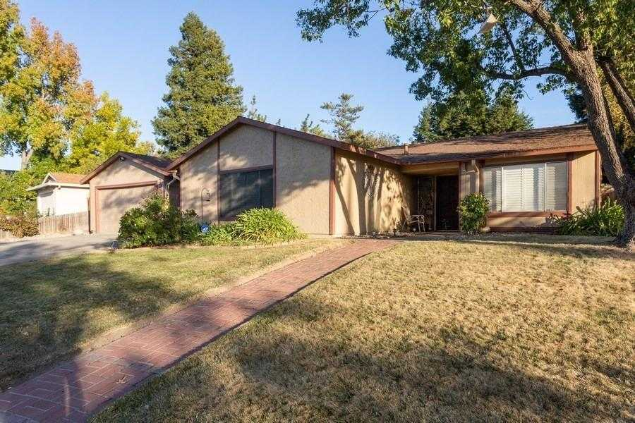 $375,000 - 3Br/2Ba -  for Sale in Larchmont Foothills, Sacramento