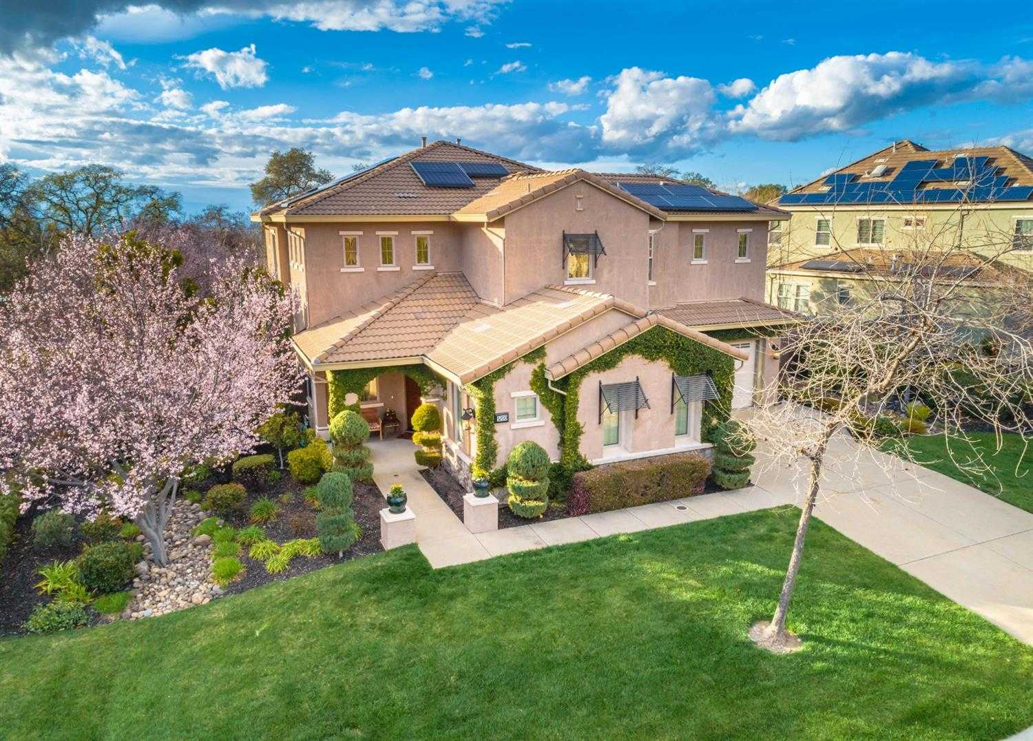 $770,000 - 4Br/4Ba -  for Sale in Lincoln