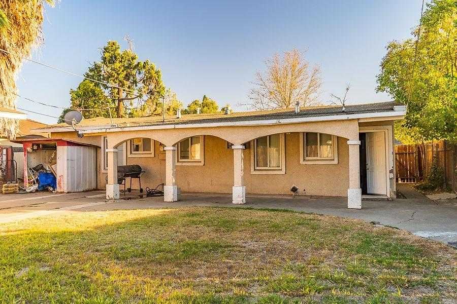 $299,000 - 4Br/2Ba -  for Sale in Sacramento