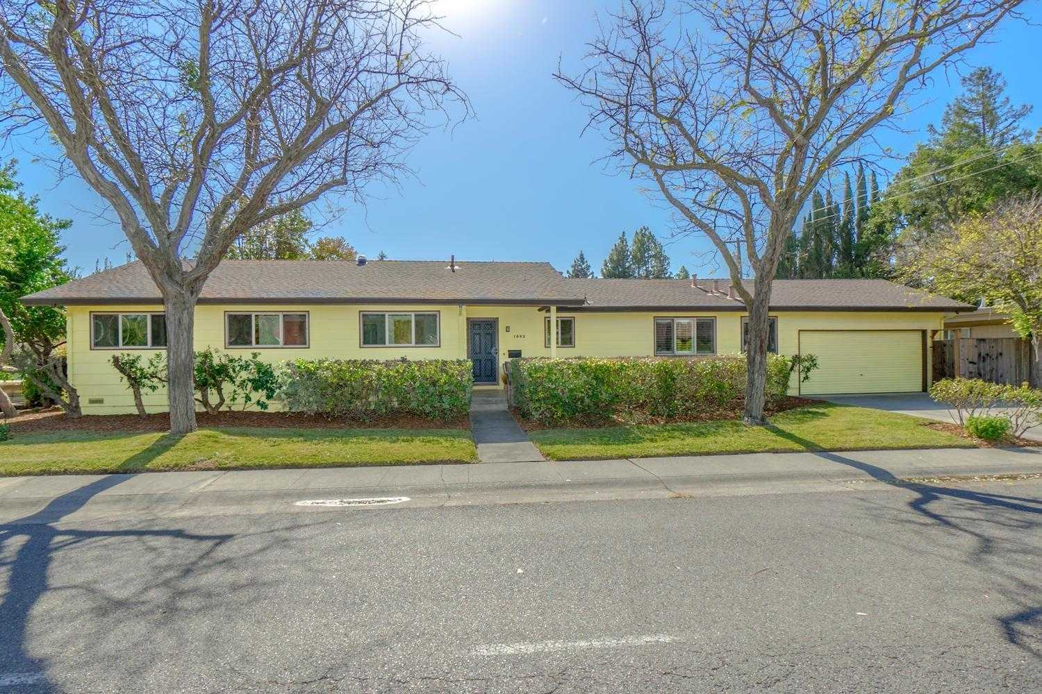 $775,000 - 4Br/2Ba -  for Sale in Davis