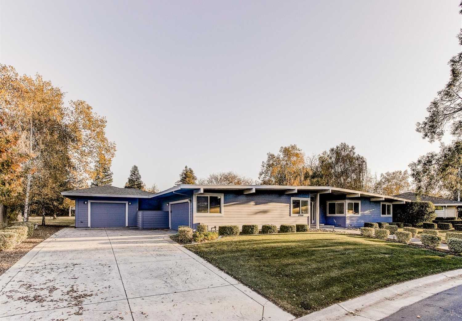 $1,035,000 - 3Br/3Ba -  for Sale in El Macero