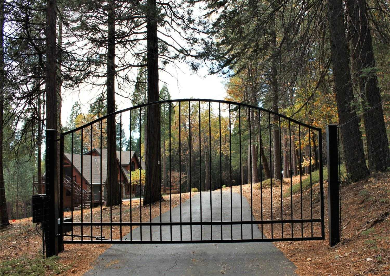 $950,000 - 3Br/3Ba -  for Sale in Nevada City