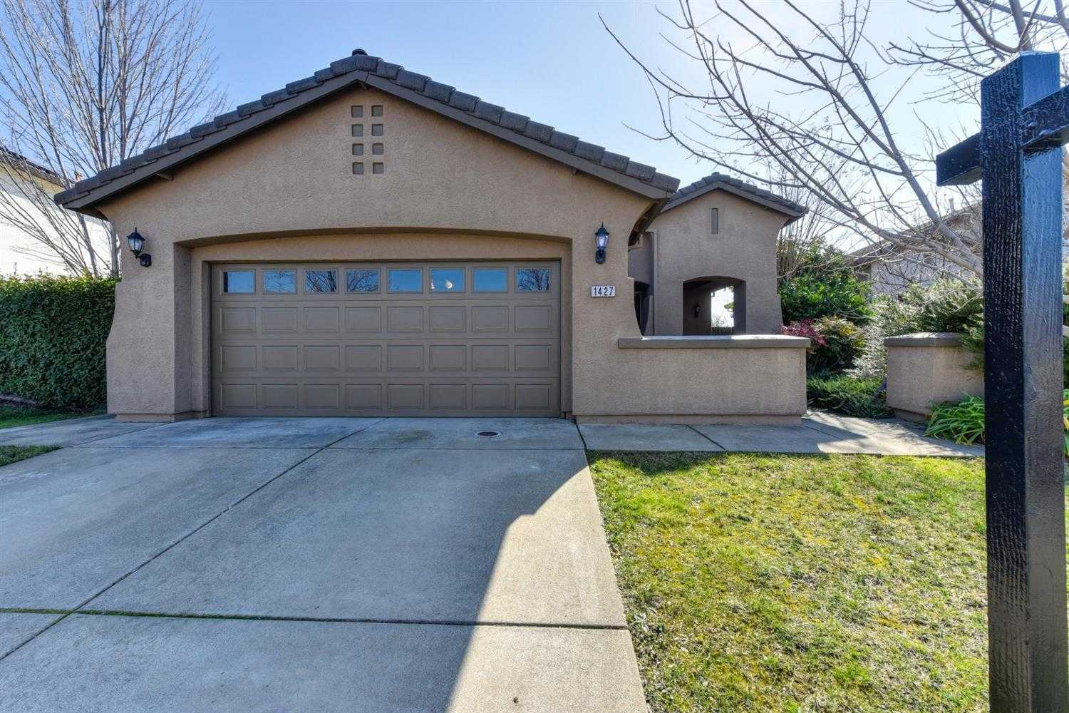 $498,000 - 4Br/2Ba -  for Sale in Folsom