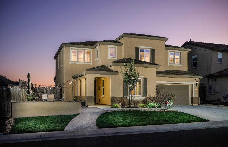 1658 Strathmore Way Rocklin, CA 95765