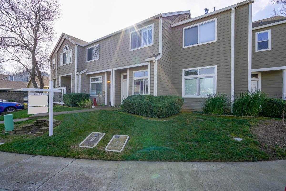 $399,000 - 2Br/2Ba -  for Sale in Stonegate Woods, Davis