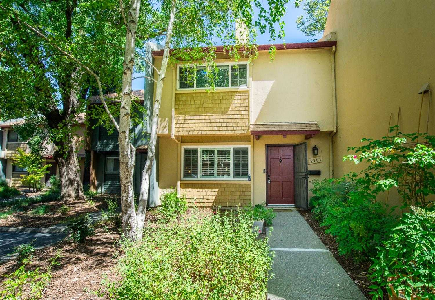 $450,000 - 3Br/2Ba -  for Sale in Davis