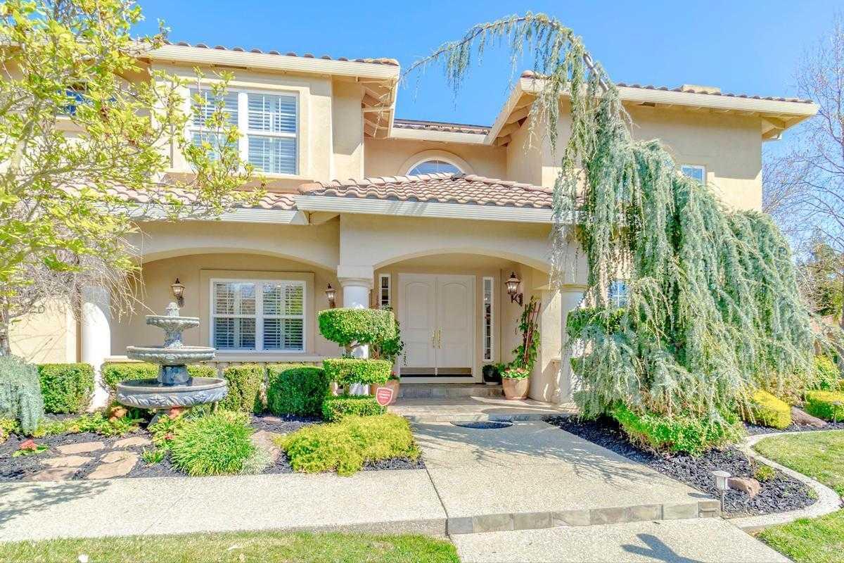 $1,429,000 - 4Br/4Ba -  for Sale in Lake Alhambra Estates, Davis