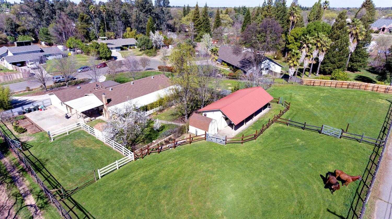 Photo of  7000 Heritage Oak Ct