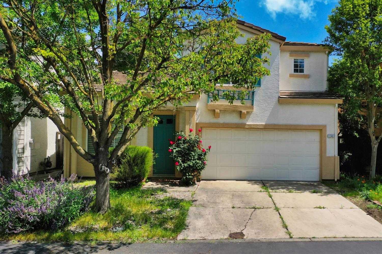 $525,000 - 3Br/3Ba -  for Sale in Davis
