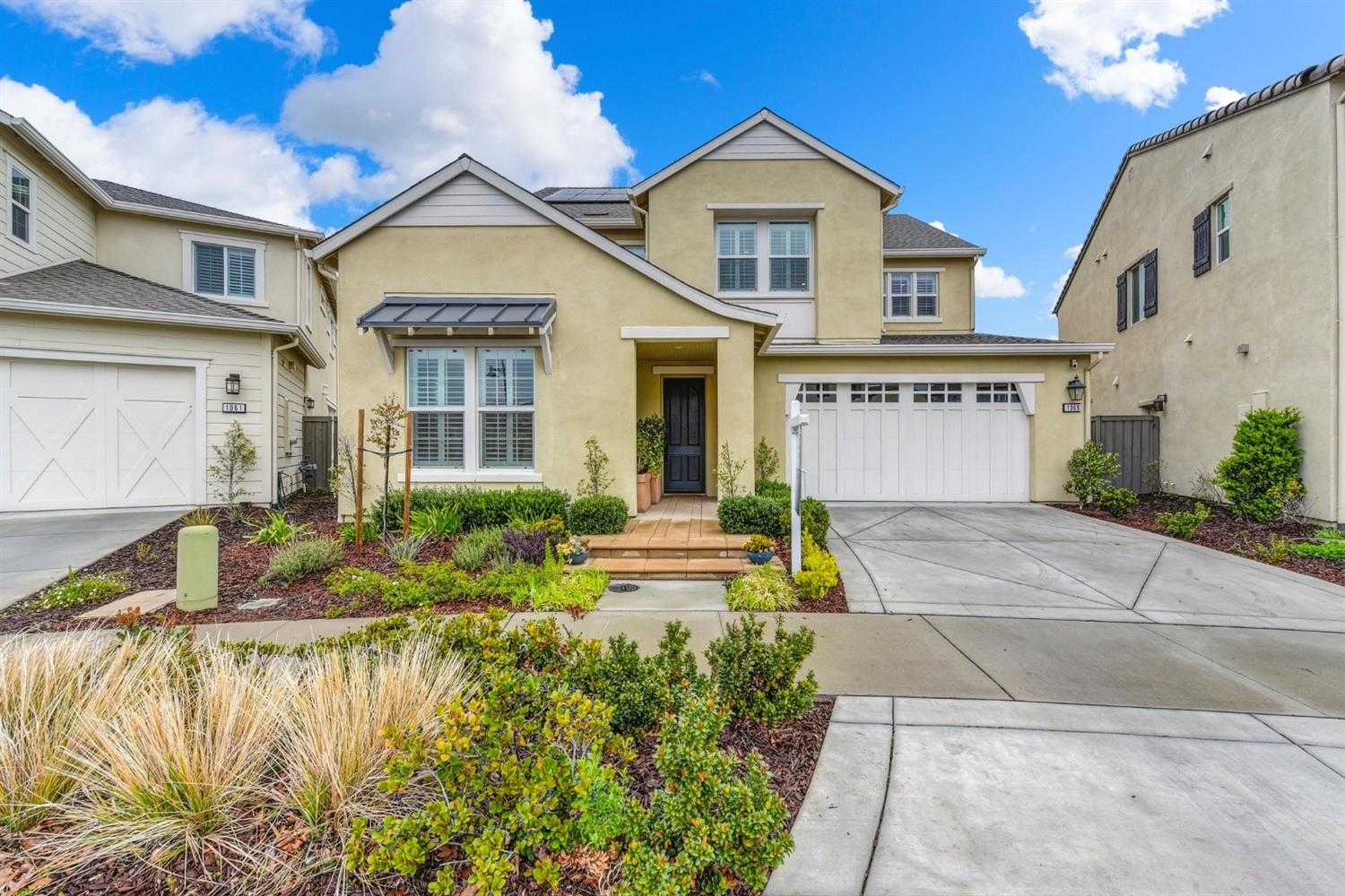 $1,449,000 - 4Br/5Ba -  for Sale in Davis
