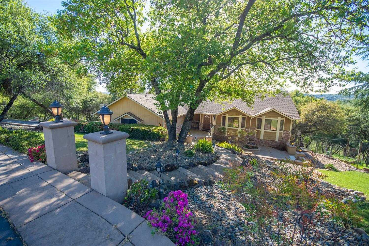 $749,999 - 4Br/3Ba -  for Sale in Cameron Park