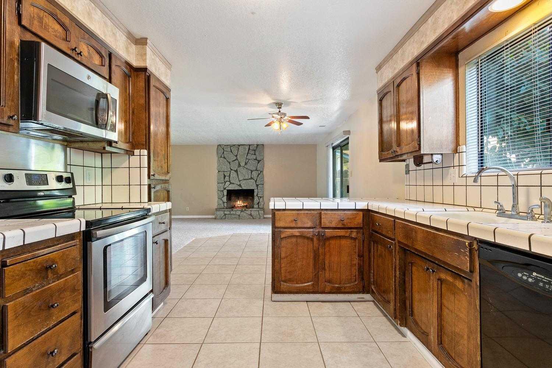 $379,995 - 4Br/3Ba -  for Sale in Stockton