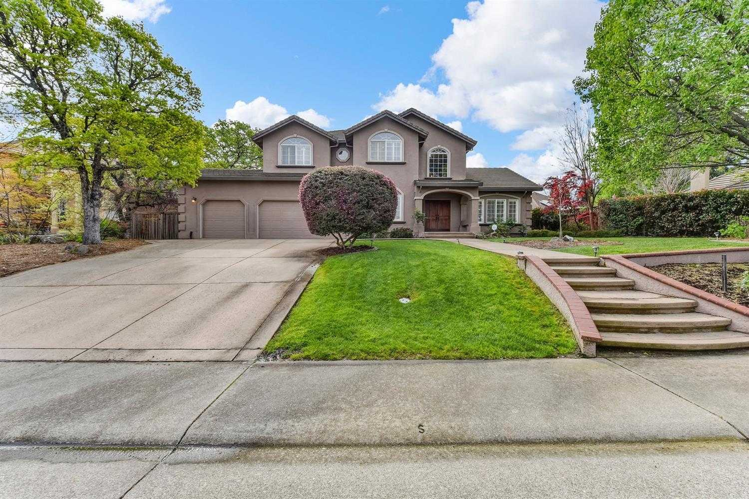 $865,000 - 5Br/3Ba -  for Sale in Folsom