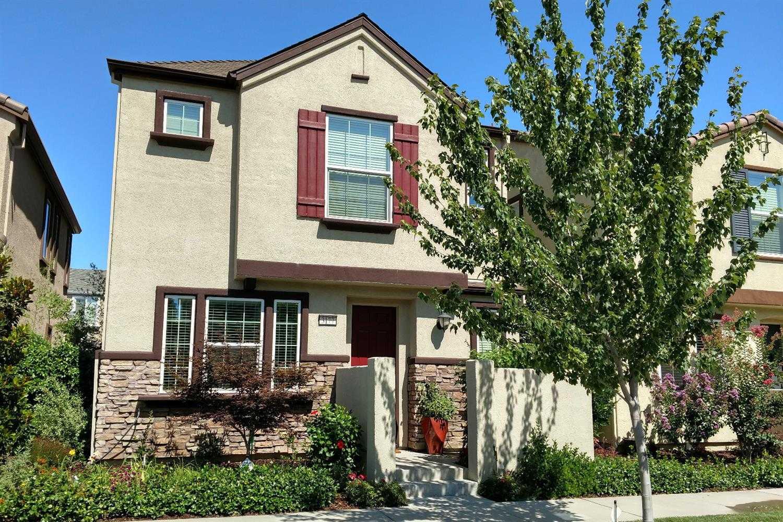 3177 Village Plaza Dr Roseville, CA 95747