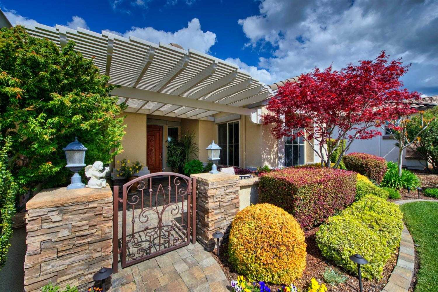 $909,000 - 2Br/3Ba -  for Sale in Sun City Lincoln Hills, Lincoln