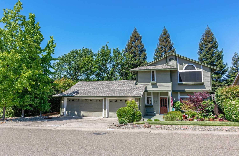 $638,000 - 4Br/3Ba -  for Sale in Stonegate Village, El Dorado Hills