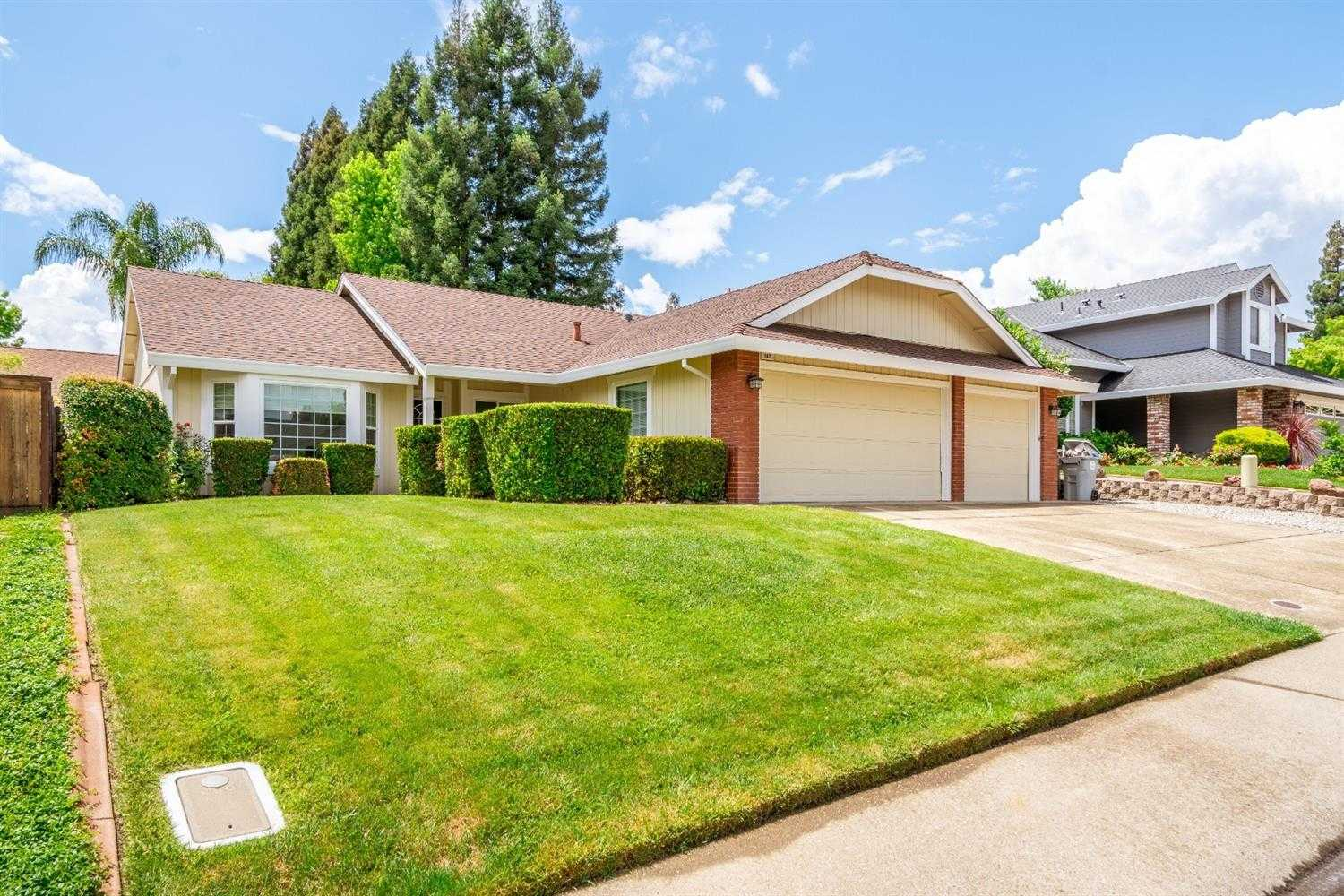 $542,500 - 3Br/2Ba -  for Sale in Folsom