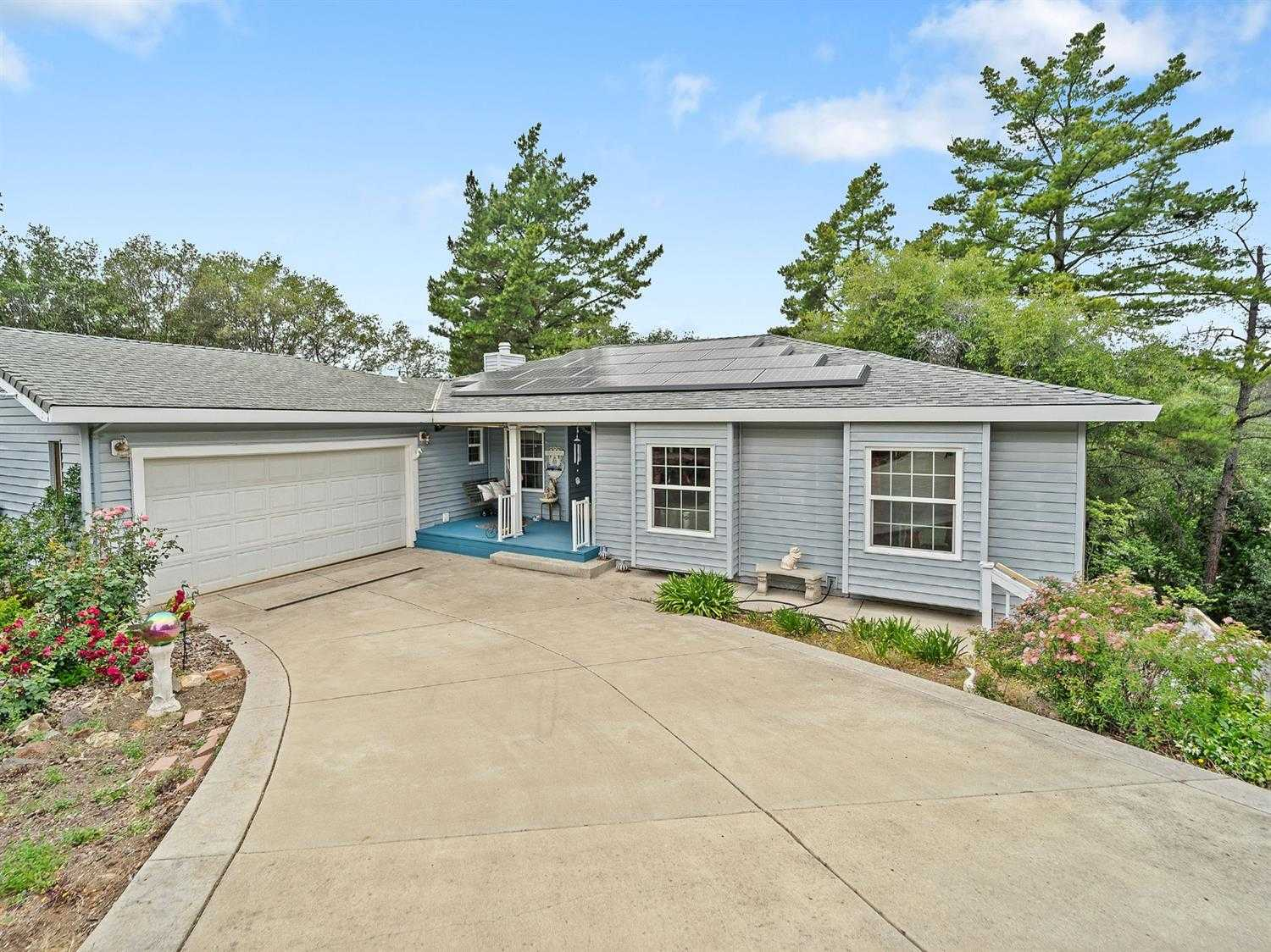 $440,000 - 3Br/2Ba -  for Sale in Cameron Park