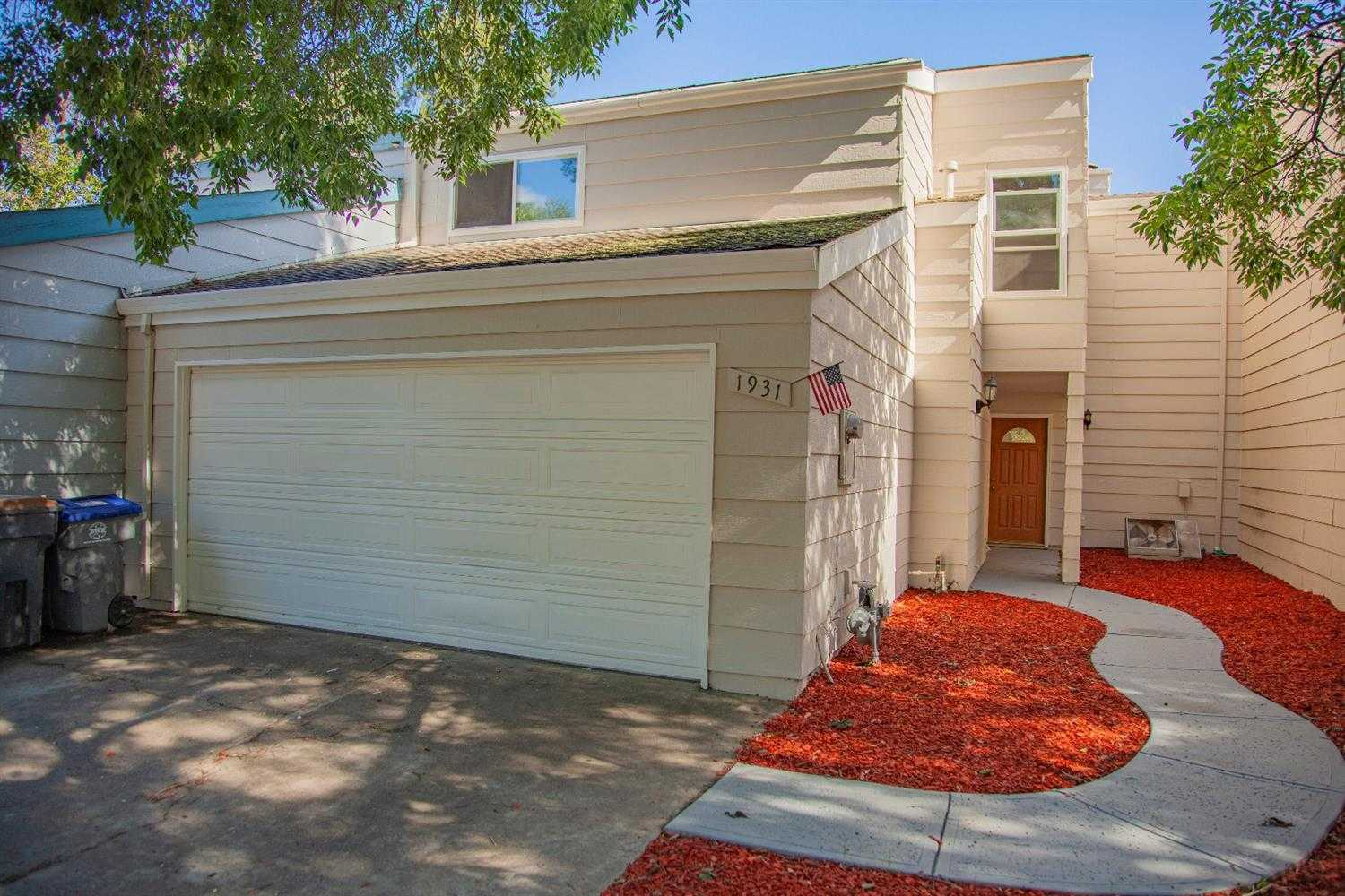 $645,000 - 4Br/3Ba -  for Sale in Davis