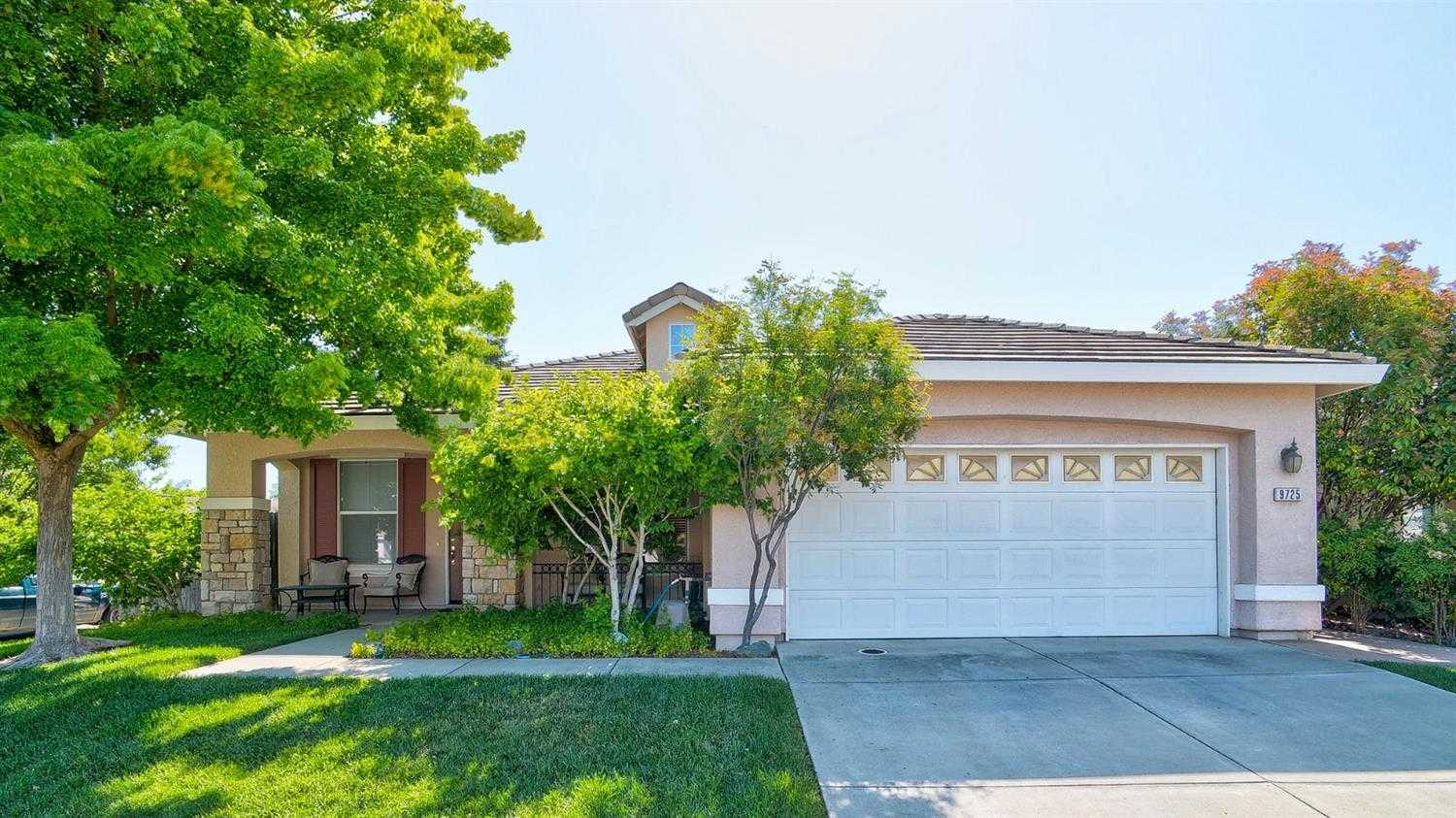 $399,000 - 4Br/2Ba -  for Sale in Elk Grove