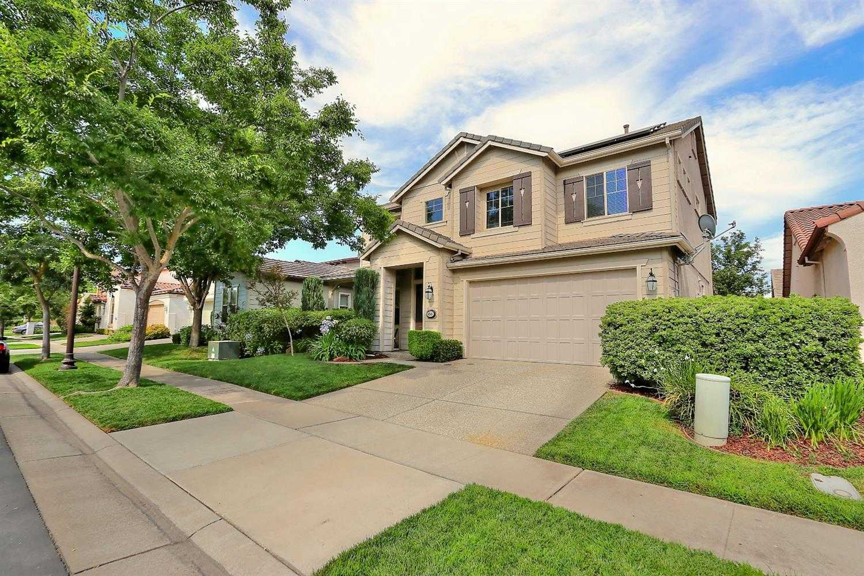 $460,000 - 5Br/4Ba -  for Sale in Aspen Iv Sub #02-0593, Sacramento