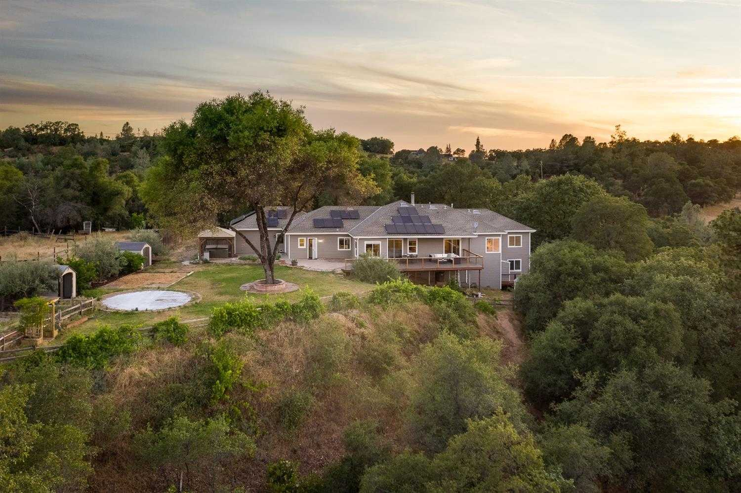 $700,000 - 5Br/5Ba -  for Sale in Placerville