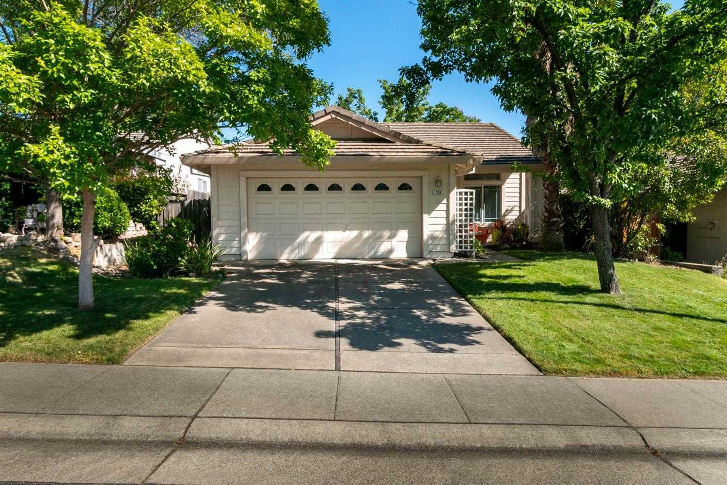 $445,000 - 3Br/2Ba -  for Sale in Folsom