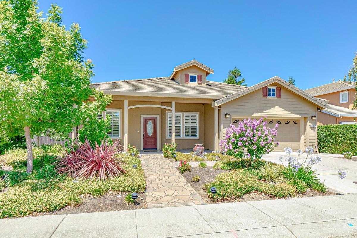 $869,900 - 4Br/2Ba -  for Sale in Wildhorse 02, Davis