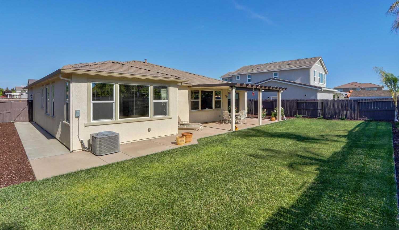 $549,900 - 4Br/3Ba -  for Sale in Wildhawk South, Sacramento