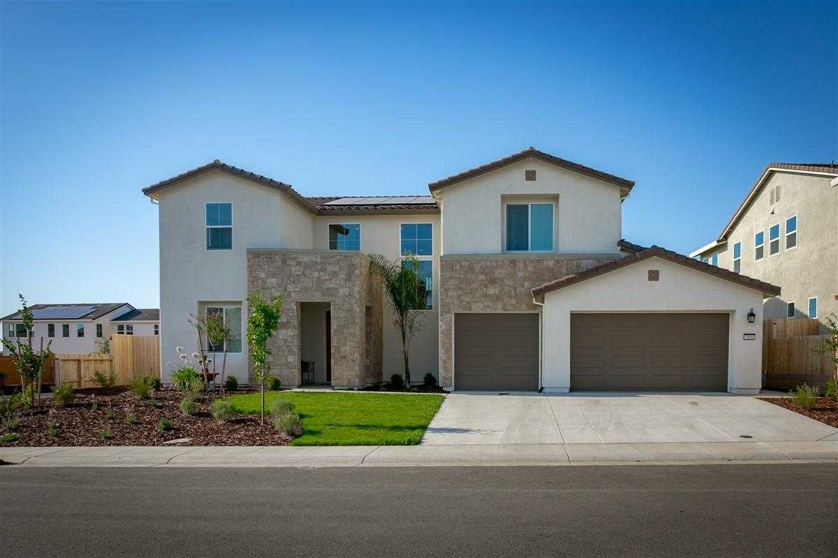 $739,990 - 4Br/3Ba -  for Sale in Lincoln