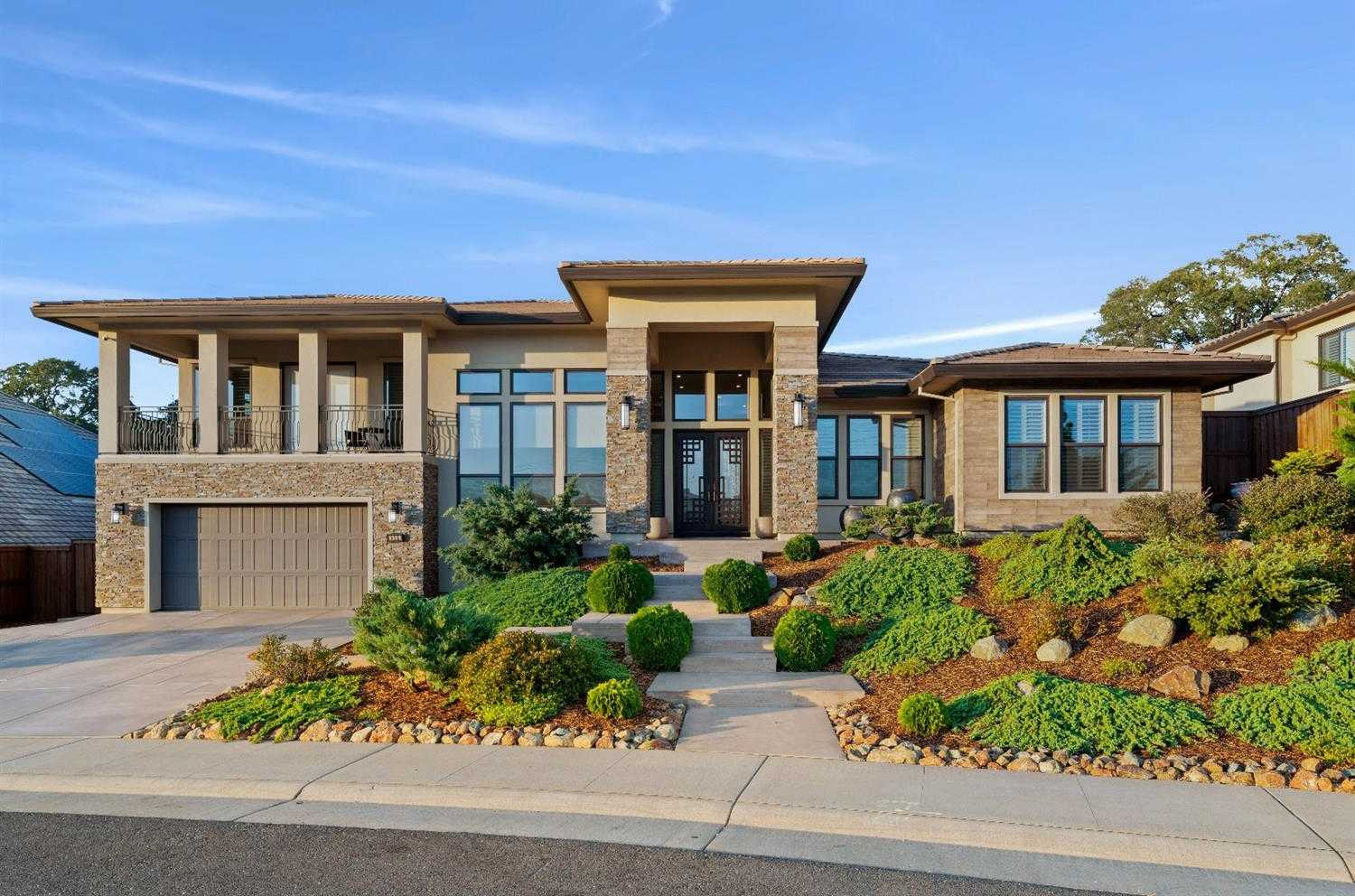 $1,225,000 - 4Br/5Ba -  for Sale in Folsom