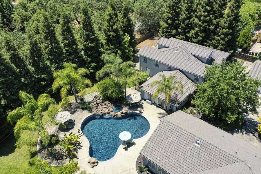 $1,789,000 - 4Br/4Ba -  for Sale in Elk Grove