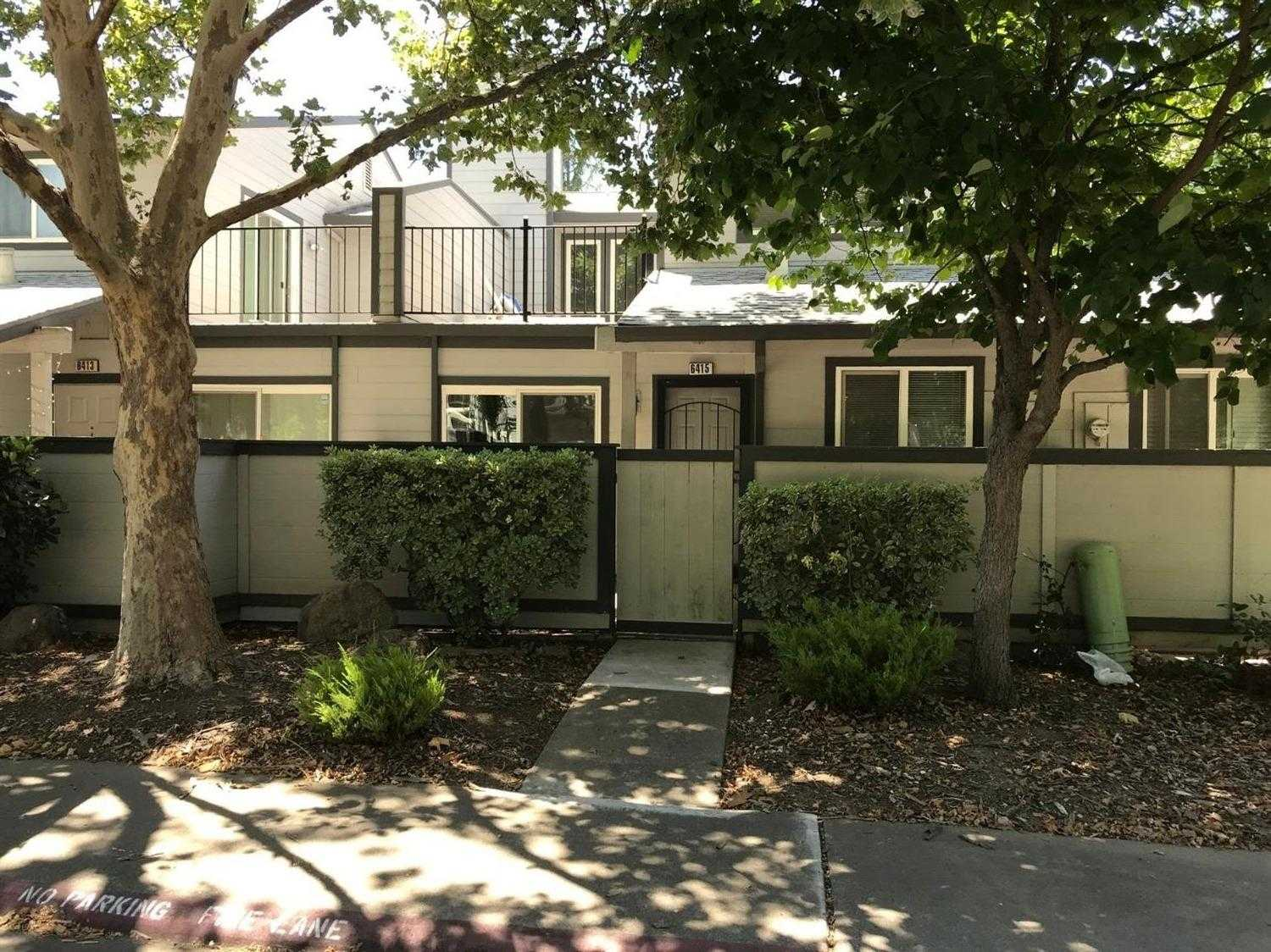 $289,880 - 3Br/3Ba -  for Sale in Creekside Community, Citrus Heights