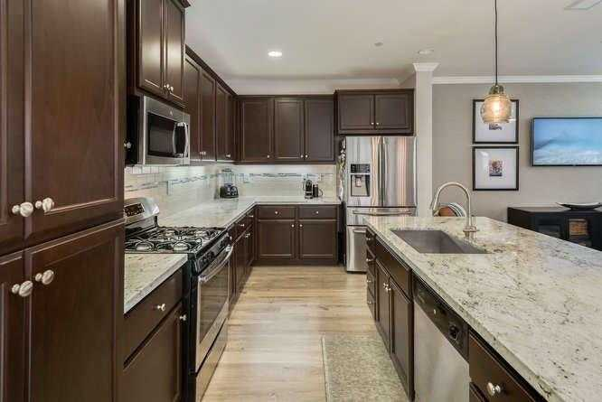 $504,000 - 3Br/3Ba -  for Sale in Folsom