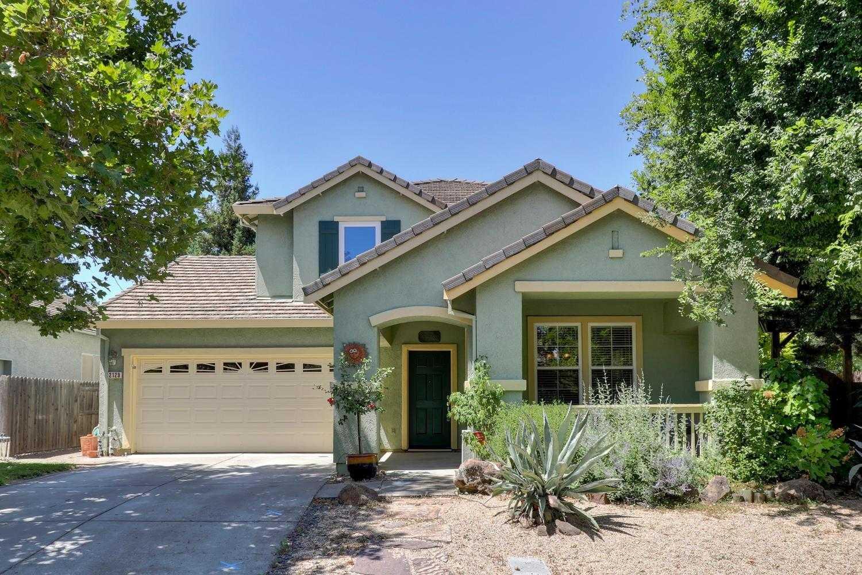 $876,000 - 5Br/3Ba -  for Sale in Wildhorse, Davis
