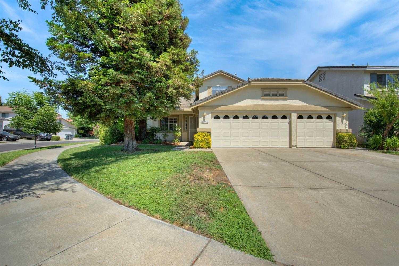 $854,900 - 4Br/3Ba -  for Sale in Mace Ranch, Davis