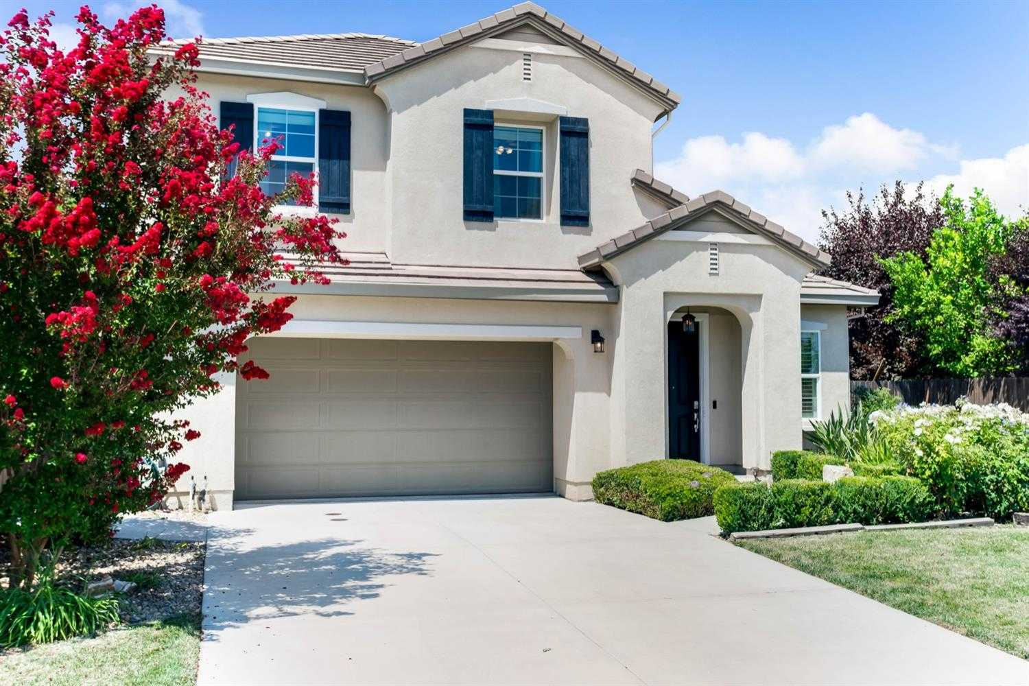 $1,100,000 - 4Br/3Ba -  for Sale in Willowbank (new Willowbank), Davis
