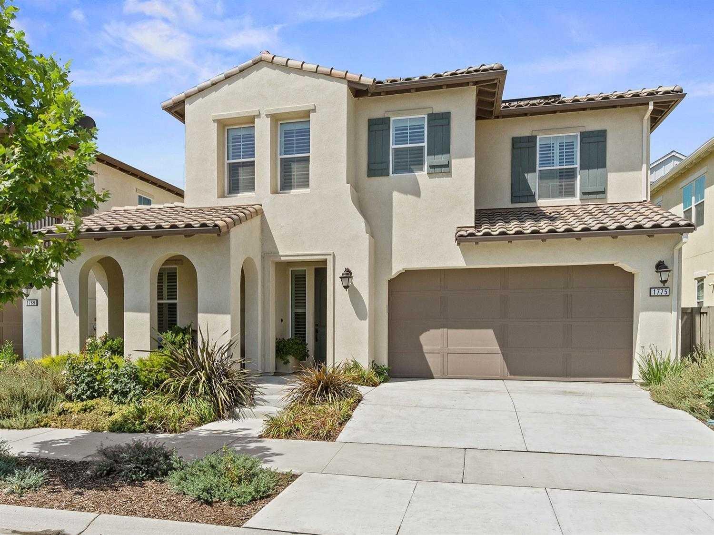 $972,000 - 4Br/3Ba -  for Sale in Davis