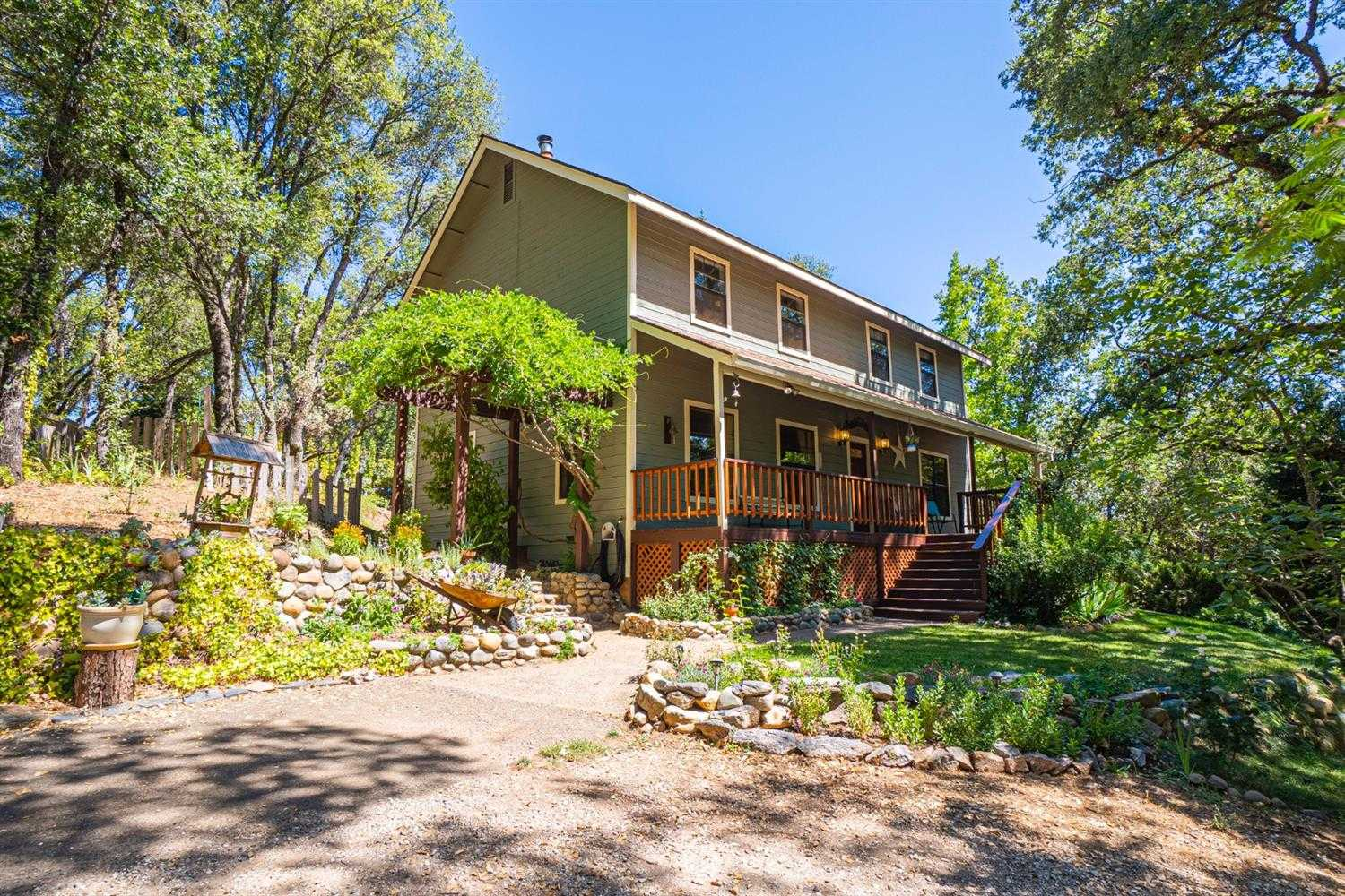 $650,000 - 4Br/3Ba -  for Sale in Placerville