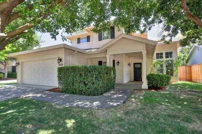 $899,900 - 4Br/3Ba -  for Sale in Oakshade, Davis