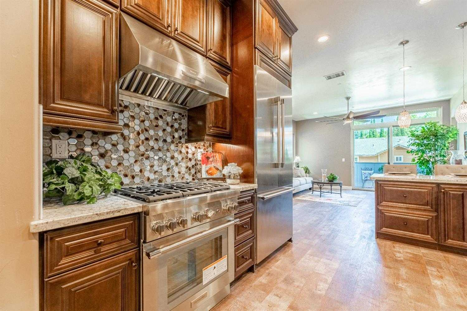 $868,888 - 3Br/4Ba -  for Sale in Wright & Kimbrough Add #11, Sacramento
