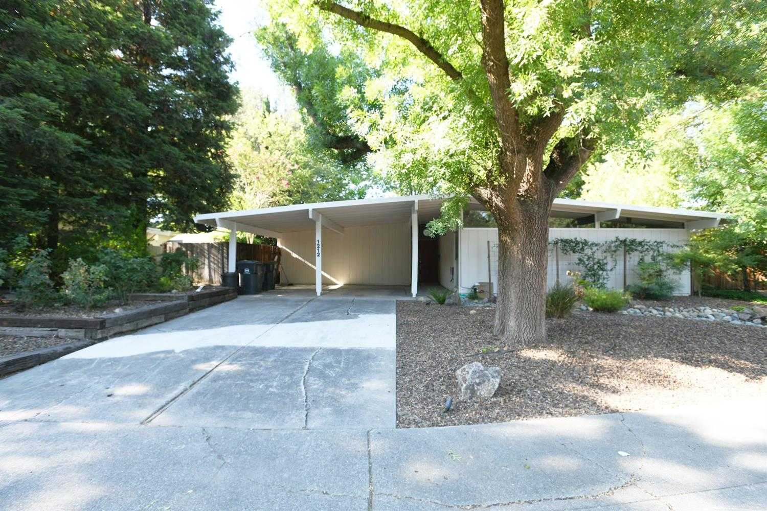 $849,000 - 5Br/3Ba -  for Sale in Davis