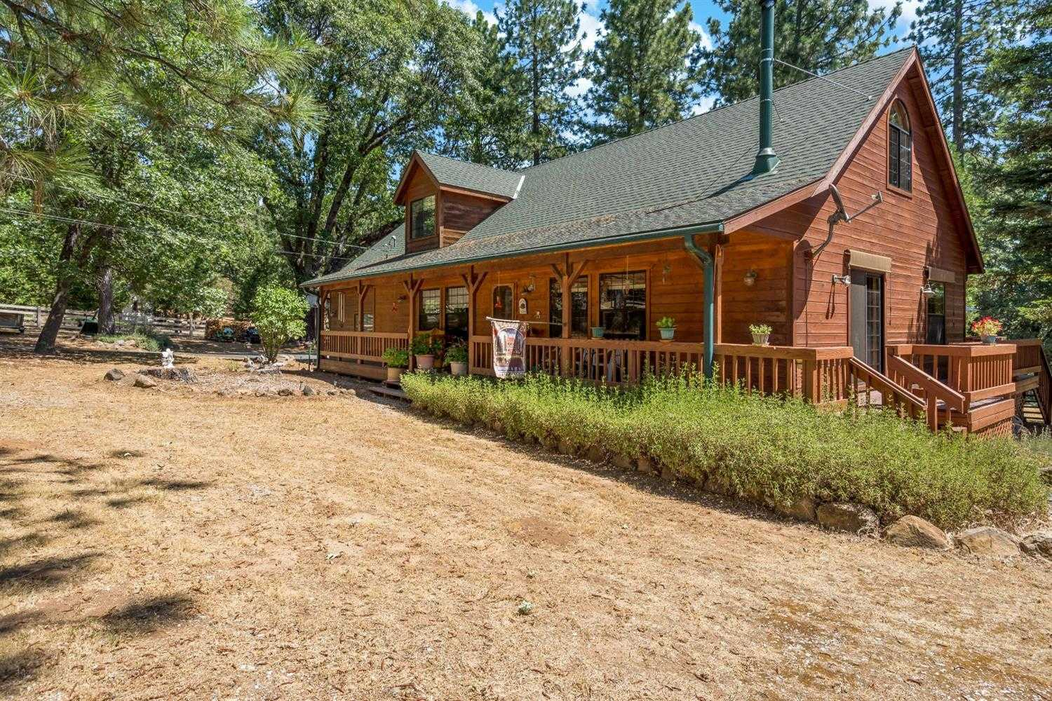 $639,000 - 3Br/3Ba -  for Sale in Pollock Pines