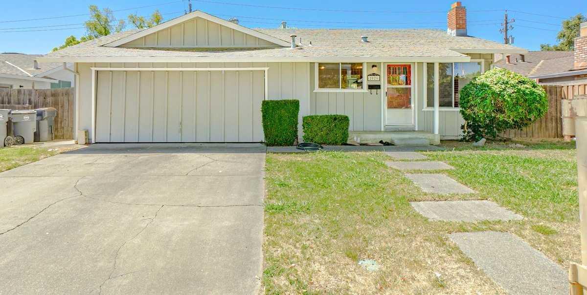 $520,000 - 3Br/2Ba -  for Sale in Davis
