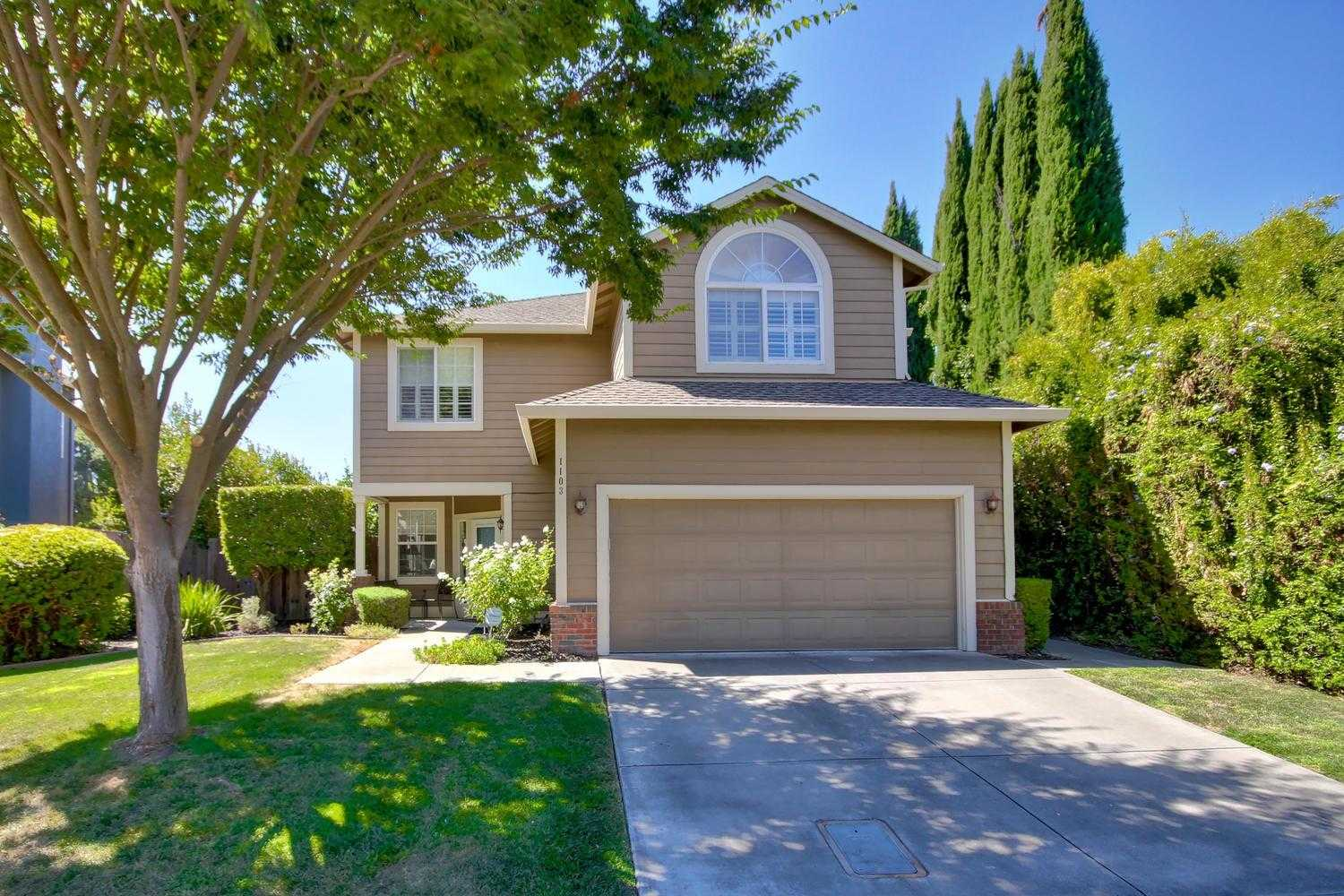 $829,000 - 4Br/3Ba -  for Sale in Sunnyside, Davis
